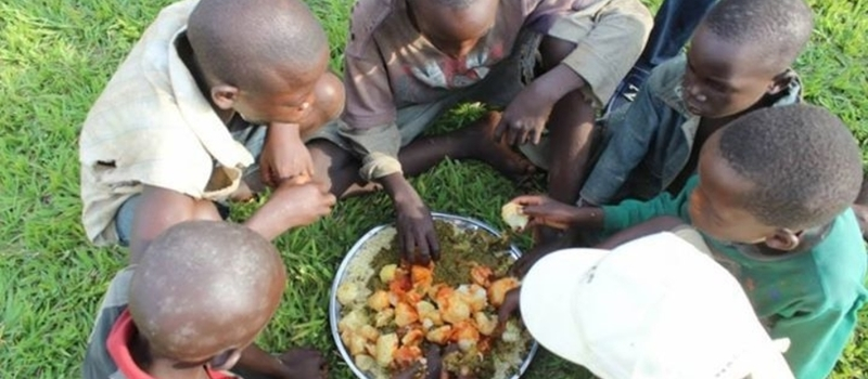 Street children Christmas Feeding